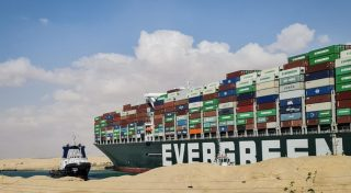 Canal de Suez afecta el comercio internacional